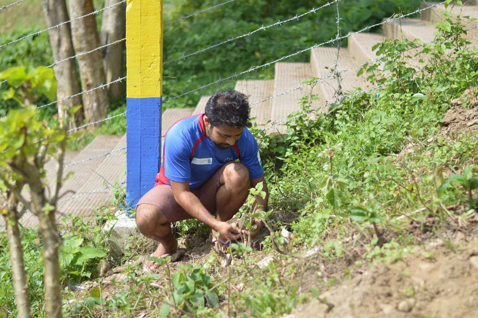 Tree-Pantation-@-Mechi-Ganga-Bishramalaya-Rotary-Club-of-Kakarvitta-20