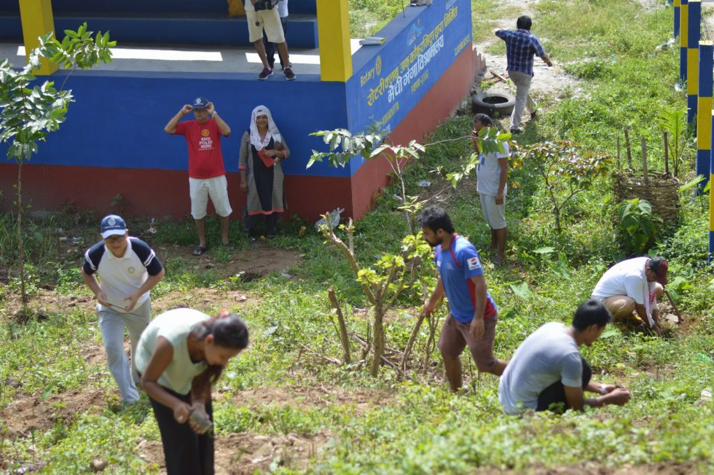 Tree-Pantation-@-Mechi-Ganga-Bishramalaya-Rotary-Club-of-Kakarvitta-22