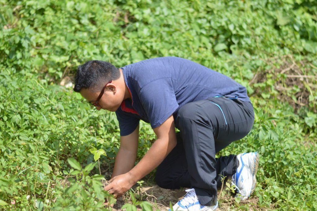 Tree-Pantation-@-Mechi-Ganga-Bishramalaya-Rotary-Club-of-Kakarvitta-26