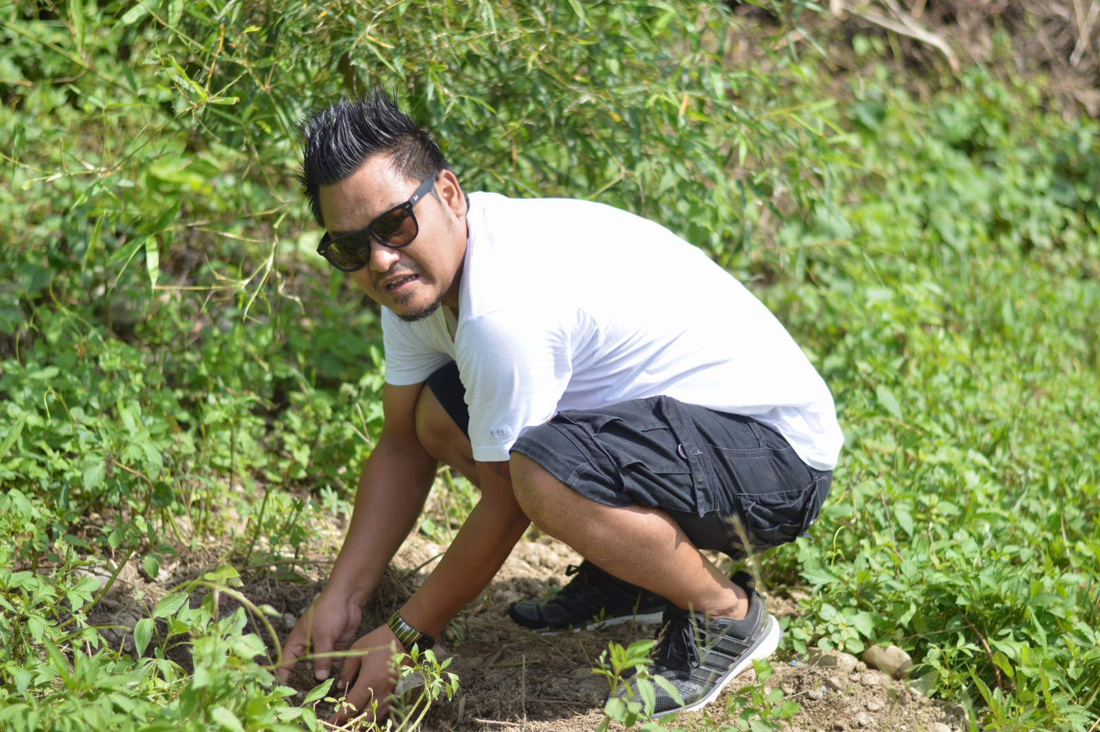 Tree-Pantation-@-Mechi-Ganga-Bishramalaya-Rotary-Club-of-Kakarvitta-27