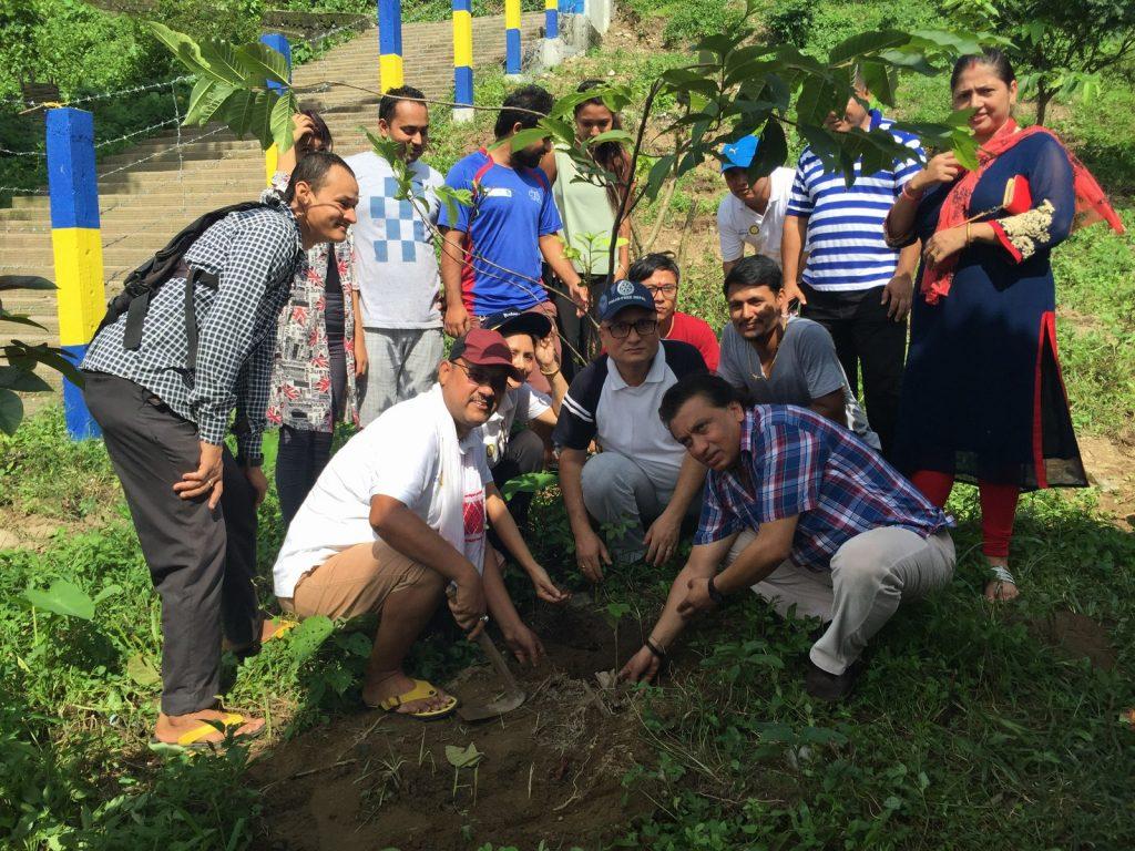Tree-Pantation-@-Mechi-Ganga-Bishramalaya-Rotary-Club-of-Kakarvitta-39