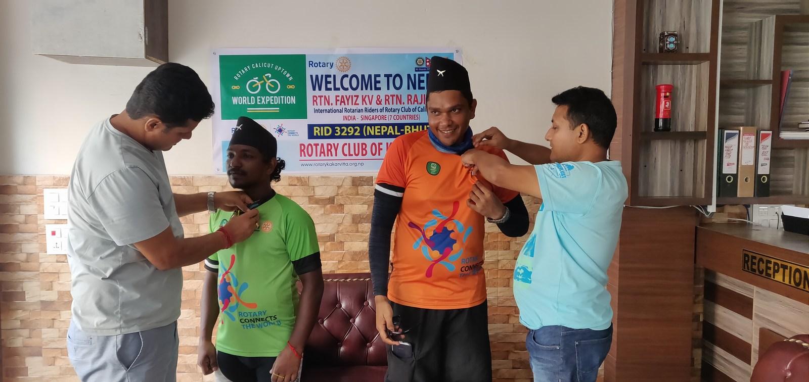 Welcoming-Rotarains-from-Rotary-Calicut-Uptown-RID-3202-Rotary-CLub-of-Kakarvitta-14